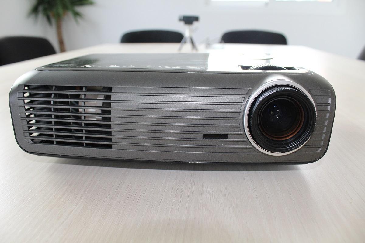 salle de réunion et videoprojecteur isère