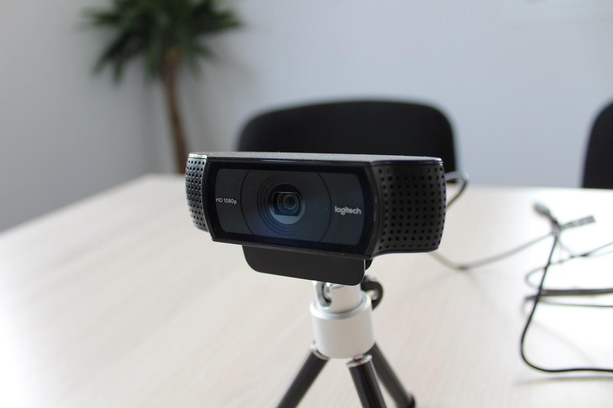 salle de réunion avec webcam